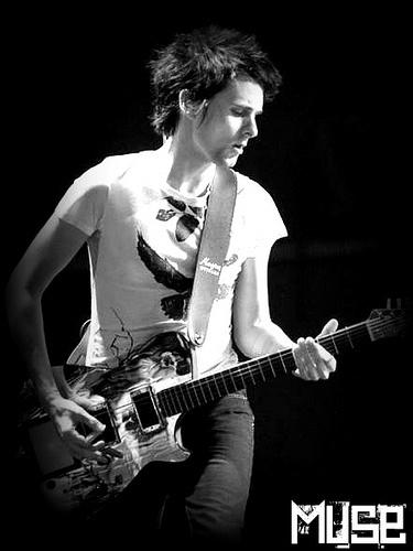 Matthew+Bellamy+-+Muse.jpg 375×500 pixels