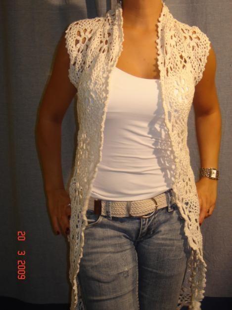Bello chaleco tejido a crochet con cuello smoking, lo podemos realizar como el modelo en pastillas o punto corrido, para realizar con pa...