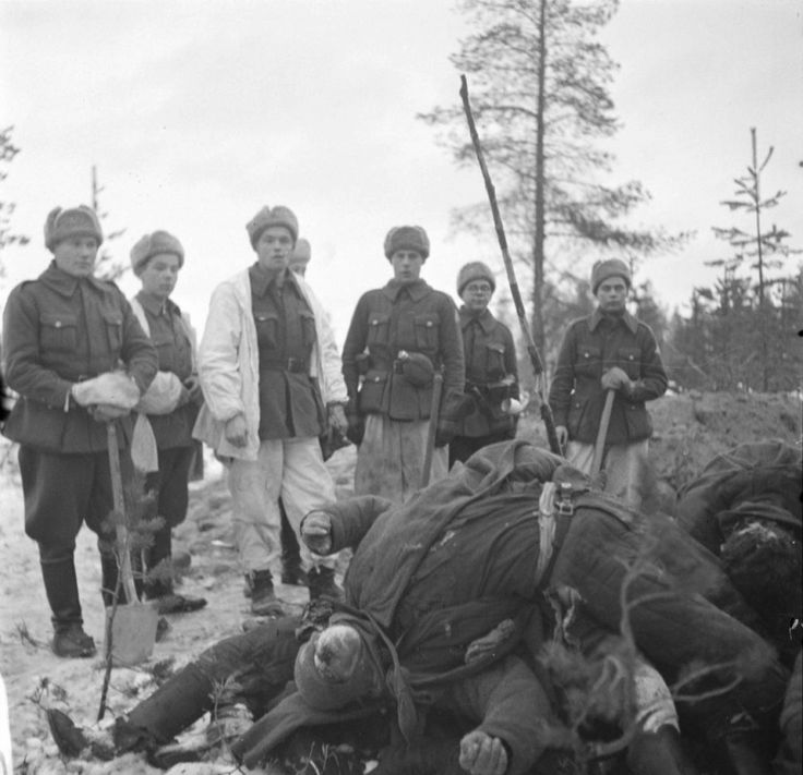 Soldiers of the Finnish team at the funeral of dead bodies December 9, 1939 the Red Army 3rd Company 81 th Mountain Rifle Regiment of the 54th Infantry Division of the Red Army.