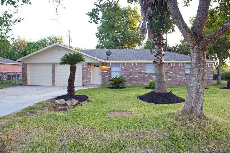Beautiful home in bacliff texas houston homes and for Beautiful homes in houston