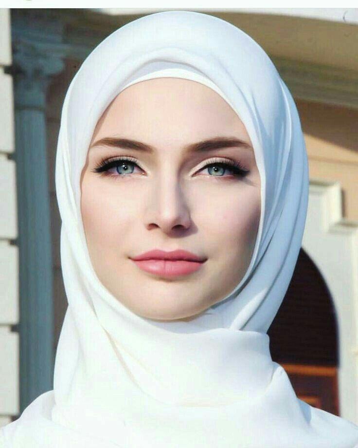 Beautiful italian muslim women