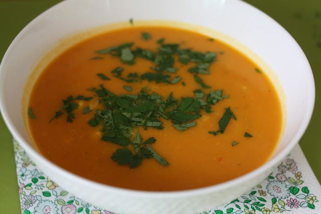 Carrot soup with ginger and coconut milk (from mariesmatmisjon.blogspot.com)