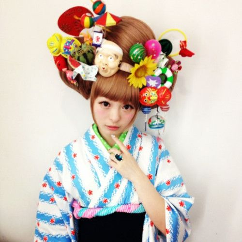Harajuku Girl Kyary Pamyu Pamyu (きゃりーぱみゅぱみゅ - http://www.en.wikipedia.org/wiki/Kyary_Pamyu_Pamyu - in the Group Board ♥ Harajuku (Japanese Fashion) http://www.pinterest.com/yourfrenchtouch/harajuku-japanese-fashion
