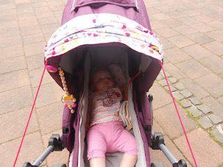Leyona und die Mieps: DIY Sonnensegel für den Kinderwagen