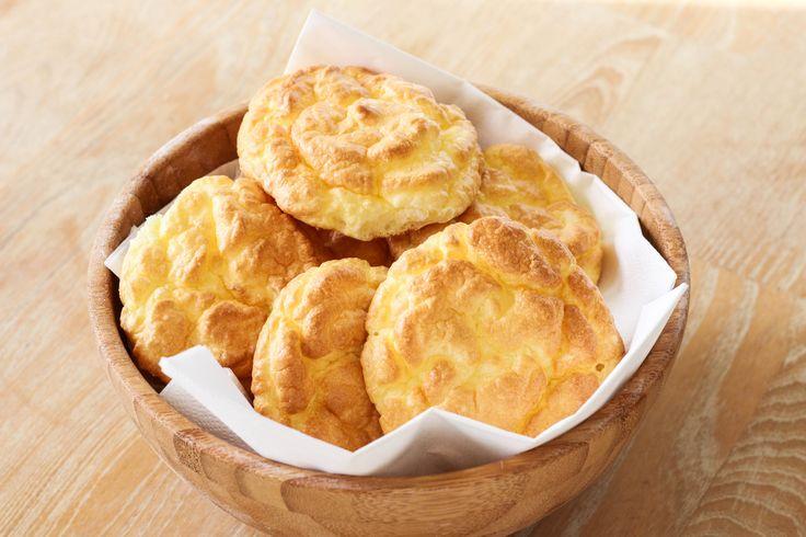 """Ya escuchaste hablar de el Pan """"nube""""? Es bajo en carbohidratos, alto en proteína y libre de granos. Muy fácil de preparar. Probalo!"""