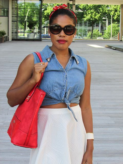 Today I'm wearing red, white and denim! Hope you like it! xoxo #ootd #fashion