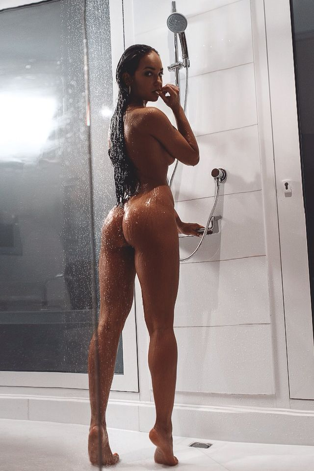 tan-girls-naked-in-shower