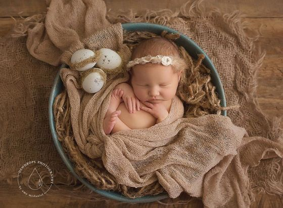 """Image of Robin's Egg Blue, Hand Painted """"Nesting Bowl"""" with Nesting, 3 eggs and Burlap layering piece!"""
