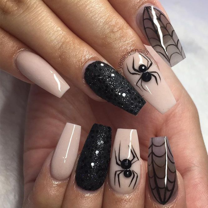 Looking for ideas for Halloween nail art to spook your friends? Here are the… - https://makeupaccesory.com/looking-for-ideas-for-halloween-nail-art-to-spook-your-friends-here-are-the-11/