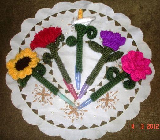 Forros para lápiz y lapiceros en ganchillo. Flower Pen