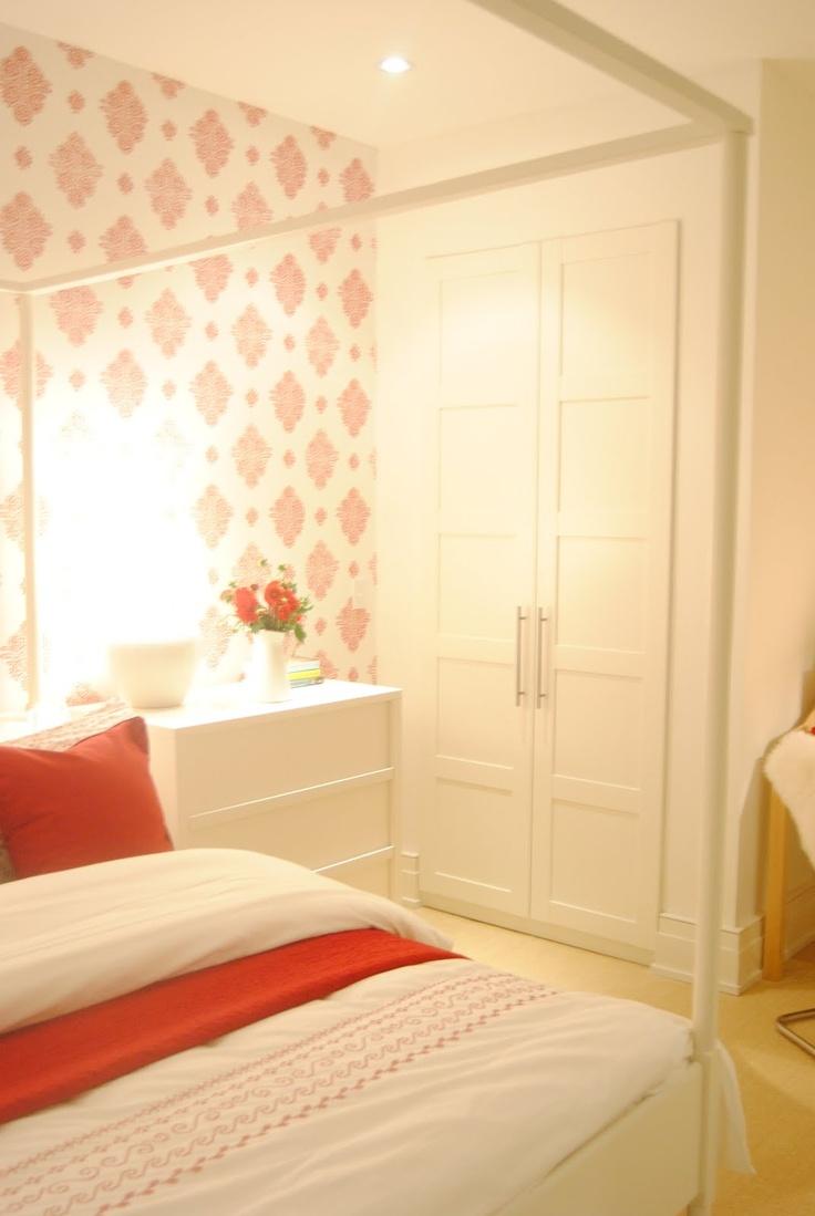 wallpaper + closet