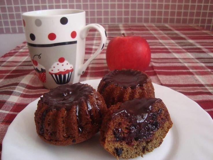 Смородино-вишневые кексы - пошаговый рецепт с фото: Для этих кексов нужны формочки с выемкой в середине. - Леди Mail.Ru