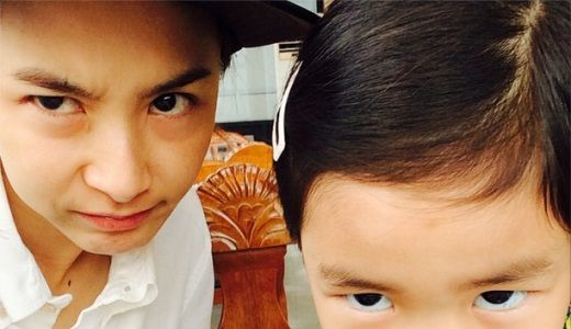 "Kang Hye Jung Shows Affection for Haru While Subbing for Tablo on ""Dreaming Radio"""