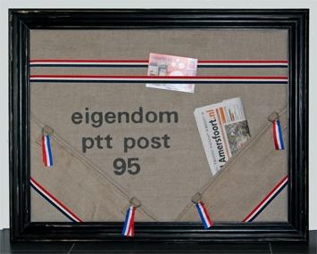 59,95 - Memobord PTT Postzak zwarte lijst - Klik op de afbeelding om het venster te sluiten