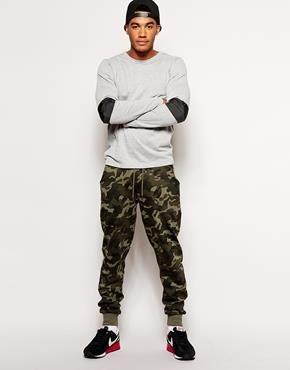 Камуфляжные брюки спортивного типа
