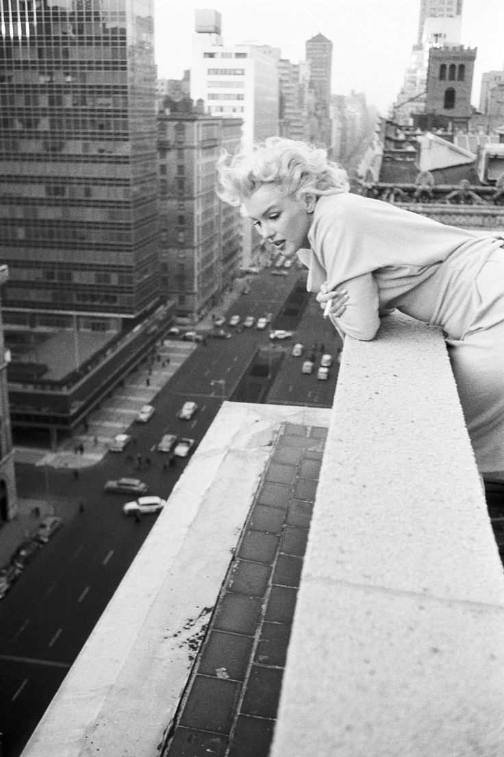 Marilyn was a gorgeous lady. I wish that she was in our generation but oh well. I'm glad i did know her but not well like others did.