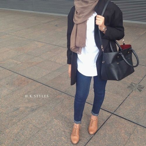 chic hijab with stylish bag- Colorful fashionable hijab outfits http://www.justtrendygirls.com/colorful-fashionable-hijab-outfits/