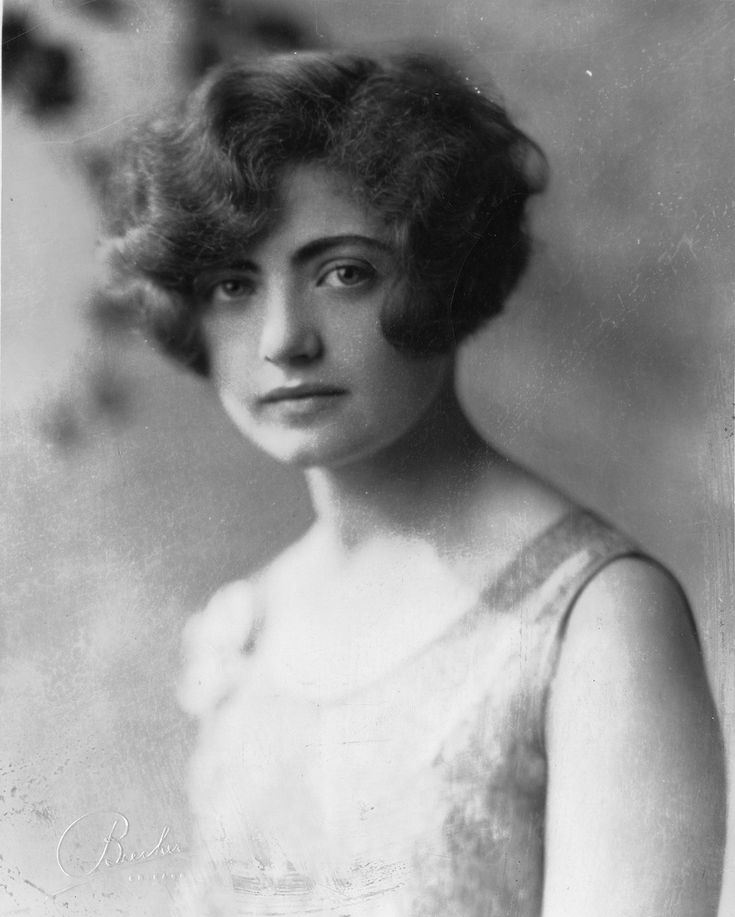 """The gaze and the hair. https://flic.kr/p/buZpc6 Dena Evelyn Shapiro [Joseph] received a Master's in sociology from the University of Chicago in 1929. This photo describes her as just having traveled """"to Palestine, to see how the new cloth of Zionism is fitting into the old garment of the complex Moslem-Christian-Jewish life there."""""""