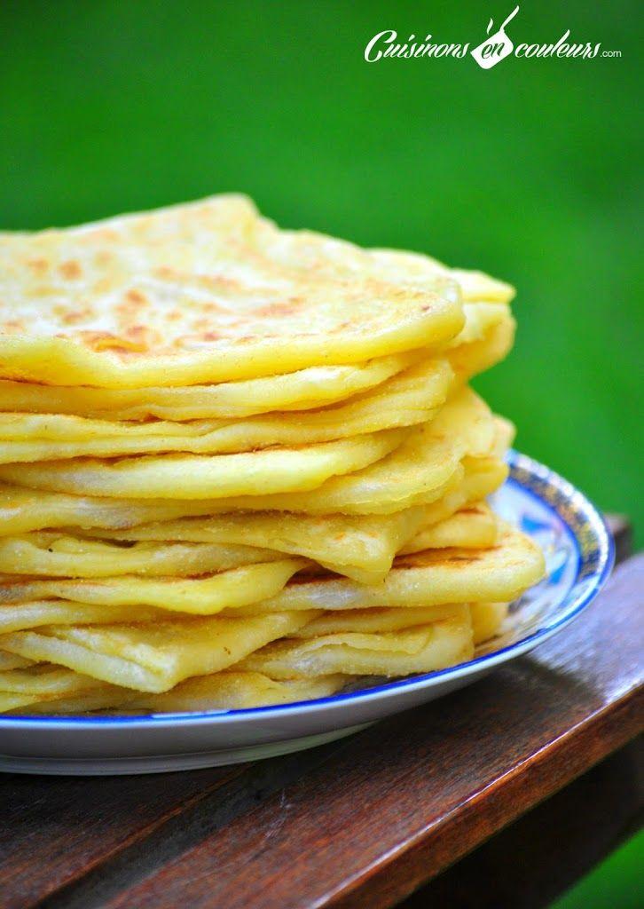 Les msemsens sont de délicieuses crêpes feuilletées. J'ai profité de ma dernière virée au Maroc pour piquer la recette à maman et des explications en images...