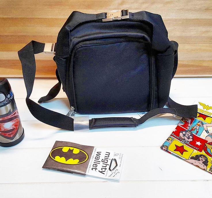 What's in your lunch box? We're looking forward to packing our favorite healthy Superhero lunches to take to school or work with these great products! Make Lunch cool again with the Bumpkin Batman or Superman or Wonder Woman snack bags, an the Thermos Batman VS Superman Foogo Water bottle! The Ricardo Generous Lunch Bag is the perfect way to bring all your favorite super hero lunches to school!