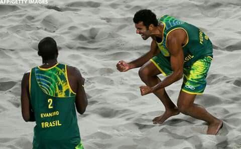 Meninos do vôlei de praia:Pedro e Evqndro