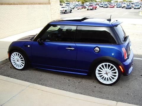 Royal blue MINI Cooper S. Sweet little toy I picked up yesterday. SO MUCH FUN.
