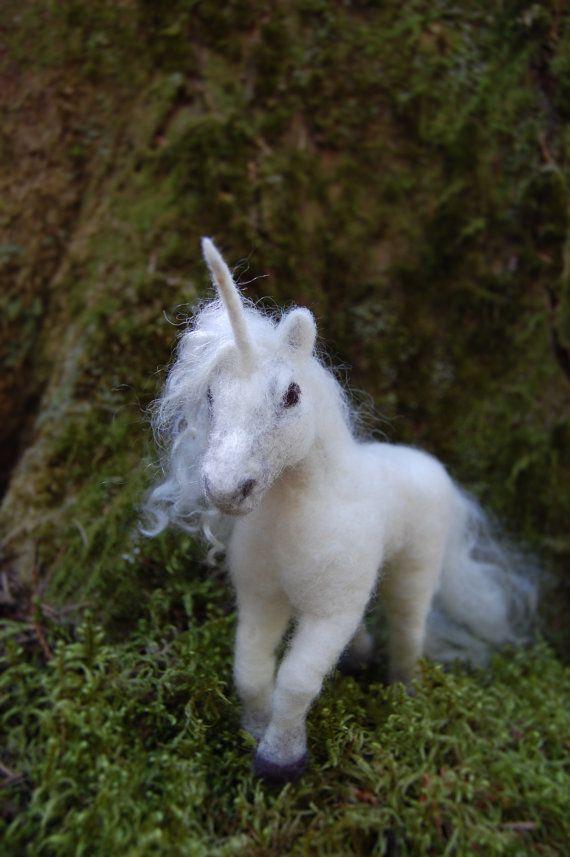 Needle Felted Unicorn, Wool Felt Unicorn, Unicorn Toy, White Unicorn Felted…