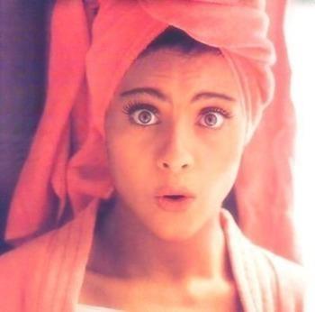 Cutey! #kajol #bollywood #pretty #curlyhair #kajoldevgan #sari #actress #towel