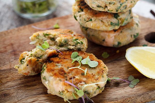 Chickpea and salmon cakes with broad beans
