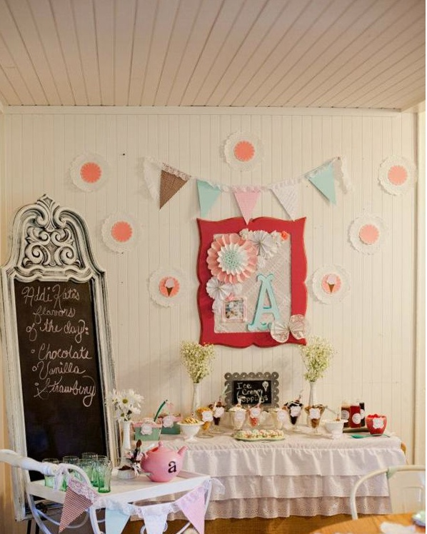 Tons of girls party ideas! Via KarsPartyIdeas..com