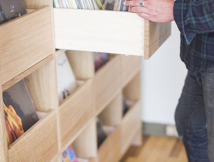les 25 meilleures id es de la cat gorie meuble vinyle sur pinterest rangement vinyle stockage. Black Bedroom Furniture Sets. Home Design Ideas