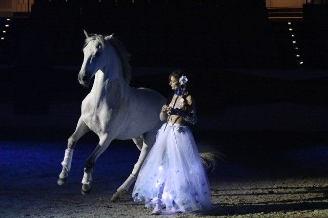 Superstar Alizee Fromment stellt bei den Mevisto Amadeus Horse Indoors 2016 erstmalig ihr neues Programm vor. © Familie Fromment