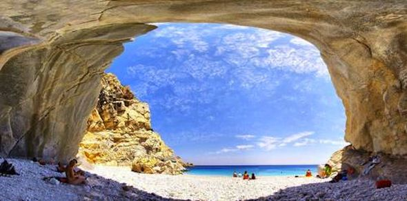 Ten Beautiful and Secluded Beaches in Greece | Greece.GreekReporter.com Latest News from Greece