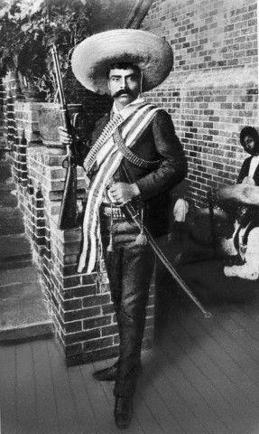 Emiliano Zapata (1879-1919)  Caudillo del Sur durante la revolución Mexicana