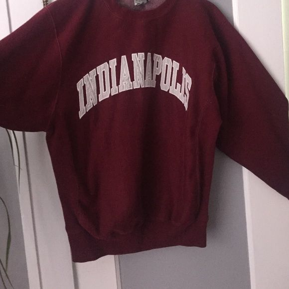 Big comfy sweater Indianapolis state sweatshirt , super warm and great for fall and winter. Barely worn Steve &berrys university sportswear Sweaters