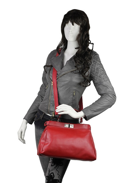 Ladies Leather Handbag     Amazing videos, tips & trends on the latest in ladies leather boots and much more. See it at http://www.ladiesfashioninfo.com