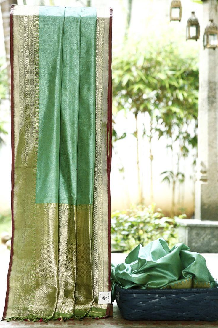 Lakshmi Handwoven Banarasi Silk Sari 1000053 - Sari / Silk Saris - Parisera