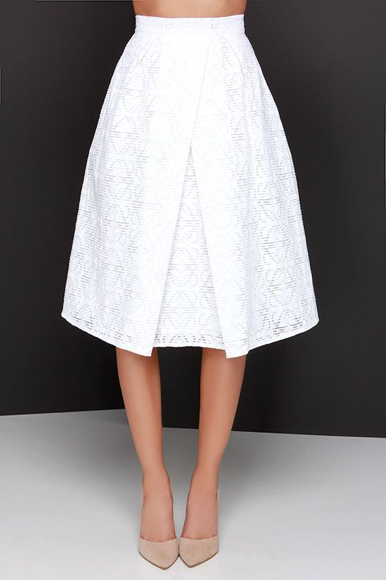 Awesome skirt for Petite Plus size Apples. Wear with a white wrap top to hip length and nude heels :)