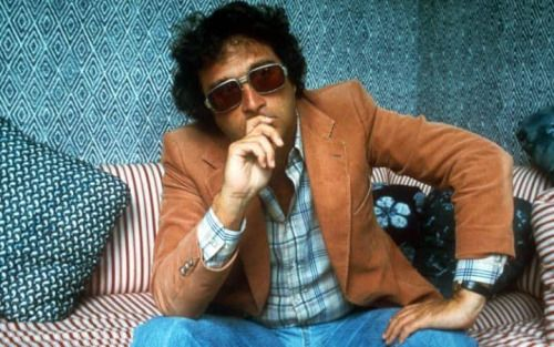 Happy birthday to Randy Newman, born on 28th Nov 1943, singer, songwriter, composer of 'Mama Told Me Not To Come', 'Simon Smith And The Amazing Dancing Bear', 1977 US No.2 single 'Short People.' Film soundtracks including 'Ragtime.' Once hailed as the greatest songwriter alive by Paul McCartney. Since the 1980s, Newman has worked mostly as a film composer, his film scores include Ragtime, Toy Story; A Bug's Life; Toy Story 2; Monsters, Inc.; Cars; Toy Story 3; and Monsters University