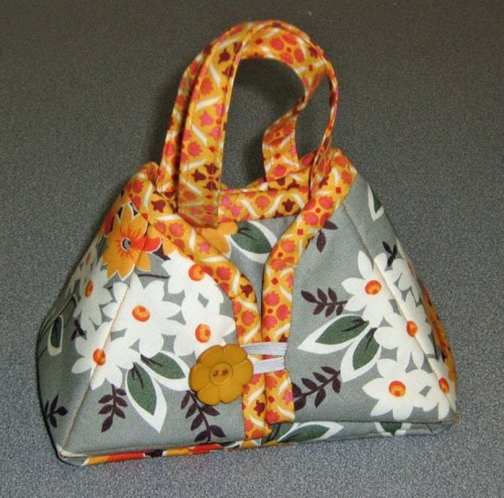 Travel Iron Tote Pattern From Sisters Common Thread