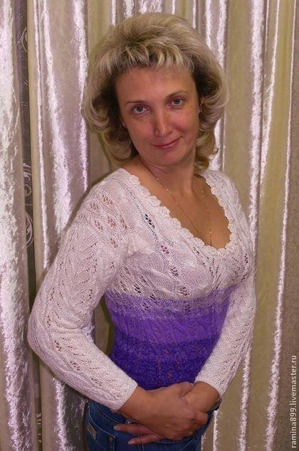 Кофта женская вязаная спицами белый и фиолетовый - абстрактный,кофта вязаная