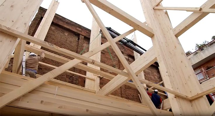El edificio de madera más alto de Barcelona: vivienda sostenible y eficiente. #finquesmonico #realesate #inmobiliaria #sustainablehousing #efficienthousing #barcelona    🔝 www.finquesmonico.com - ☎ 93 540 20 06 (Teià) ☎ 93 015 32 98 (Barcelona)    http://qoo.ly/jkdxp