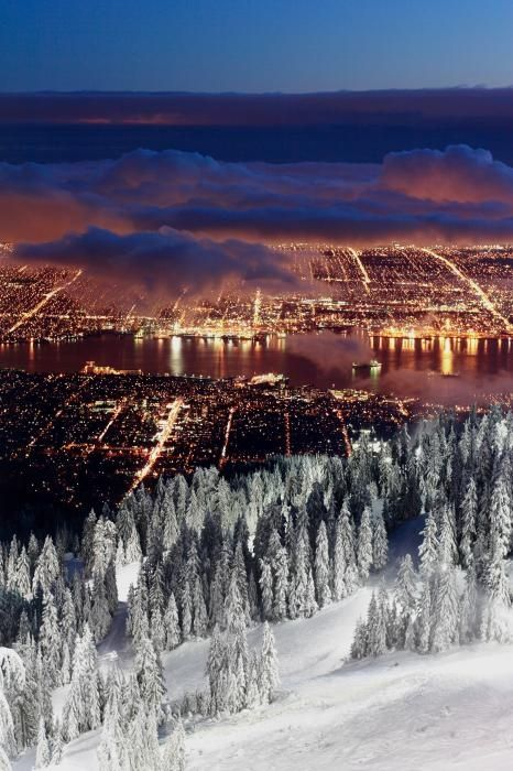 View of Vancouver from Grouse mountain at sunset - Inspiring picture on Joyzz.com