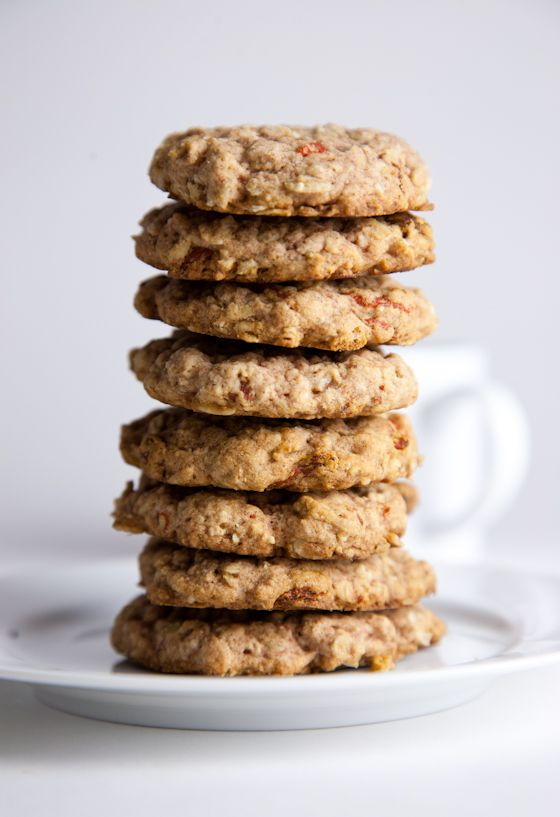Oh we love gogi berries. Gluten-Free Oatmeal Goji Berry Cookies. What's great about this recipe is that not only does it satisfy that need for a cookie without weighing you down, but it's also easily adaptable to whatever you have on hand. Gluten Free Cookies