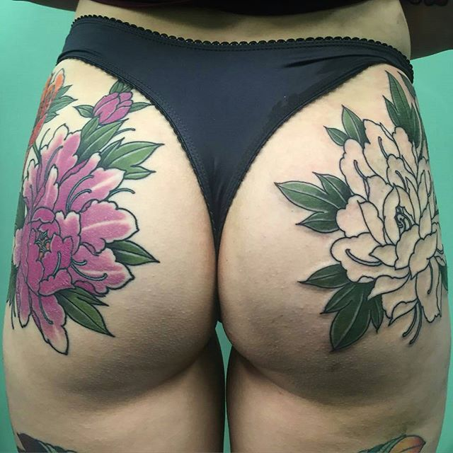 @Regrann from @jon_ftw -  Started the other side of Caitlin's Butt. Left side was done 7 days ago and basically healed. Thanks heaps @stardusst___  you're a legend! jonnyfarq@gmail.com @tradition_tattoo_brisbane #Regrann
