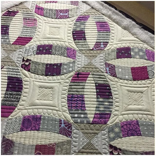 Beautiful quilting! | Sew Kind Of Wonderful: Our Sewing Machines Are Just a Whirring!