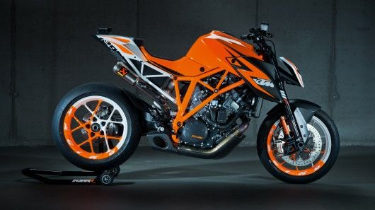 KTM's 1290 Superduke R prototype combines a lightweight, trellis-frame with a 1290cc V-twin, drive-by-wire, lots of (disengageable) electronic rider assistance, prototype WP suspension at both ends and maybe the best power-to-weight ratio ever!