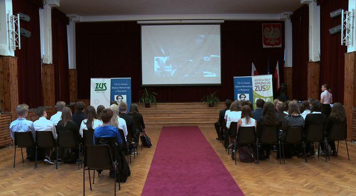 ZUS wystąpił z inicjatywą zorganizowania w szkołach lekcji o ubezpieczeniach społecznych z uwagi na niski poziom wiedzy Polaków na ten temat, np. na temat trzech filarów emerytalnych, składek płaconych przez przedsiębiorców