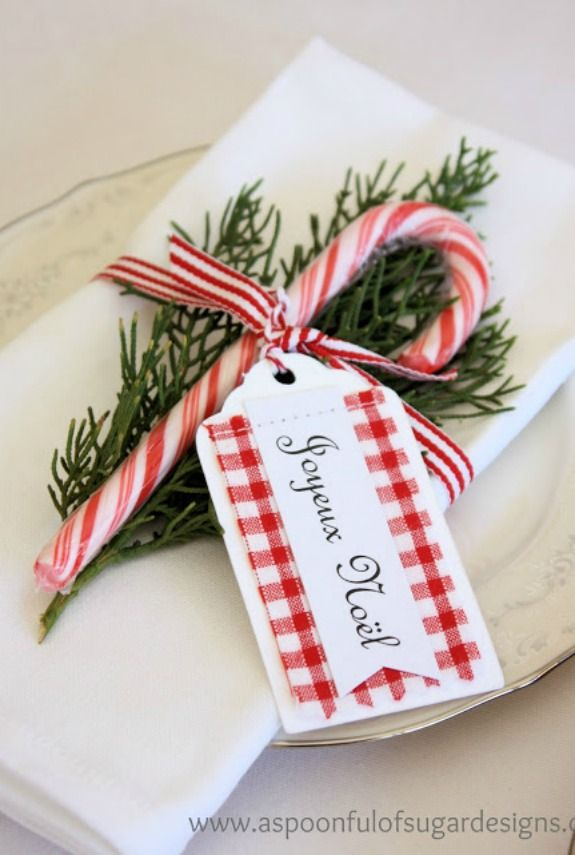 10+Candy+Cane+Crafts+that+Make+Gorgeous+Christmas+Decorations - WomansDay.com