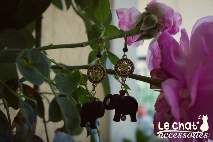 The black elephant boho earrings <3  Απλά αλλά και ξεχωριστά σκουλαρίκια με ελέφαντες και μεταλλικά στοιχεία σε boho διάθεση.  #lechataccessories #handmadecreations #newearrings #bohochic #bohemianmood #ethnicjewelry  © Danae Lolou  Find me on Facebook & Instagram : Le Chat Accessories for more photos. https://www.facebook.com/lechataccessoriesdanae/  https://www.instagram.com/lechataccessories/